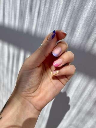 Unghii - 14 manichiuri pline de culoare pe care dorim să vi le recomandăm. Ce părere aveți?